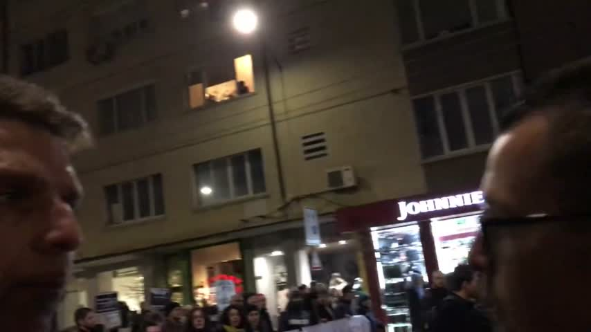 """Алпинистът Боян Петров говори пред Actualno.com по време на протеста за """"Пирин"""""""
