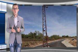 Пълен абсурд у нас: Електрически стълб по средата на път