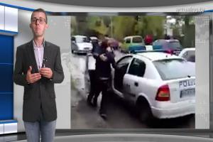 Уникални кадри: Роми се бият с полицаи