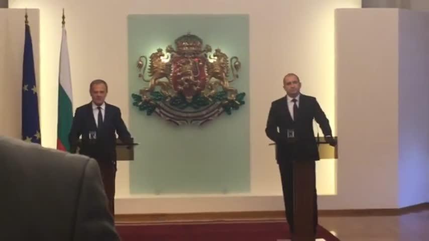 Говорят Румен Радев и Доналд Туск