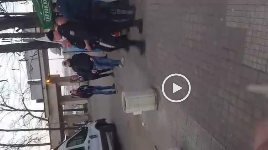 ВИДЕО: Арестуваха култовия Макс от агитката на Спартак Москва на Лаута