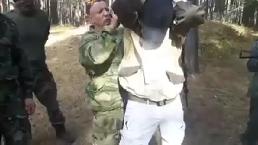 Руски военен инструктор обучава БНО Шипка